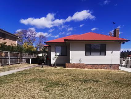 4 Sixth Avenue, Seven Hills NSW 2147-1