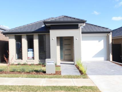 30 Fairbrother Avenue, Denham Court NSW 2565-1