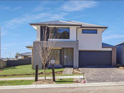 101 (Lot 1670) Sawsedge Avenue, Denham Court NSW 2565-1