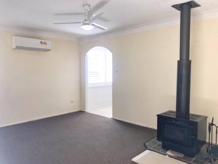 6 Tarana Crescent, Dharruk NSW 2770-1