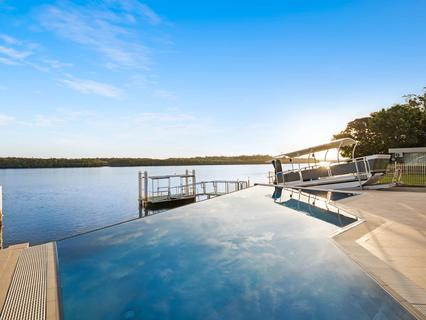 5 Riverside Drive, Port Macquarie NSW 2444-1