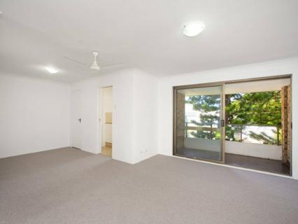 8/1 Robertson St, Narrabeen NSW 2101-1