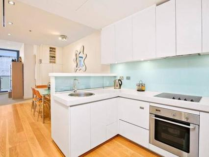 808/8 Glen Street, Milsons Point NSW 2061-1