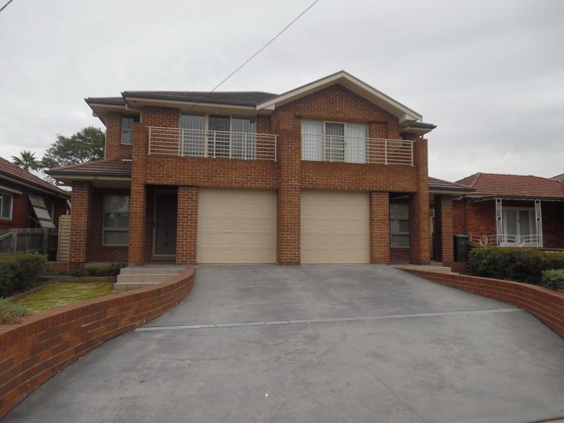 8A Burnett Street Merrylands NSW 2160-1
