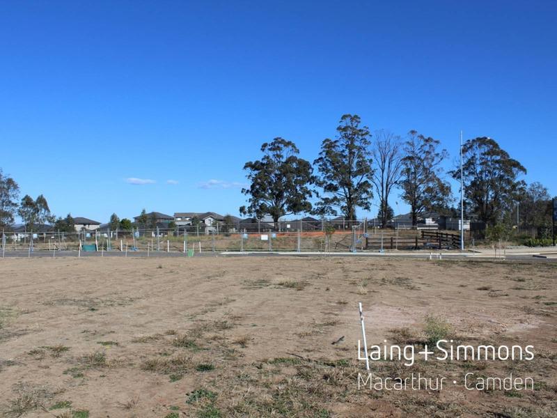 3 Pleasant Circuit, Gledswood Hills NSW 2557-1