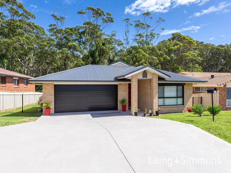 22 Red Head Road, Hallidays Point NSW 2430-1