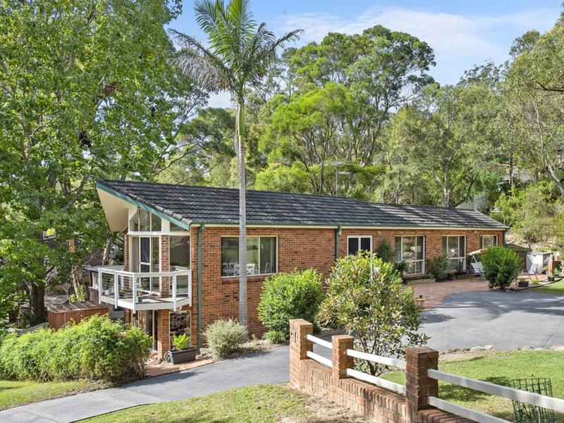 2 Cootamundra Road, Hornsby Heights NSW 2077-1