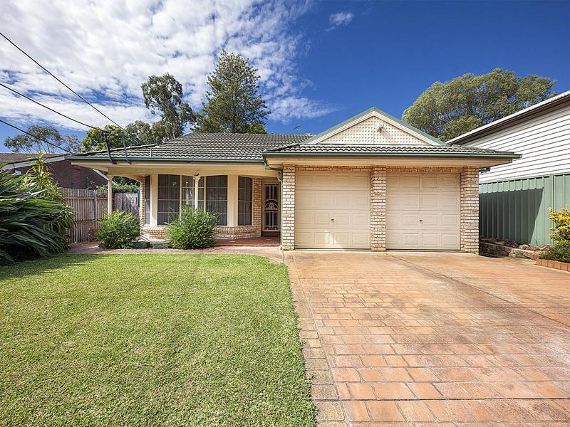 19 Ballandella Road, Toongabbie NSW 2146-1