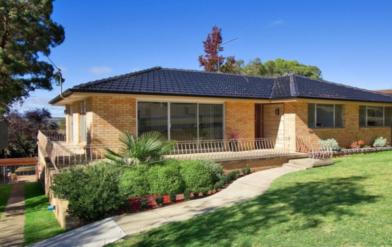 16 Campion Parade, ARMIDALE NSW 2350-1