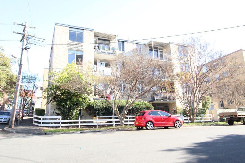 11/2 Avona Avenue, GLEBE NSW 2037-1