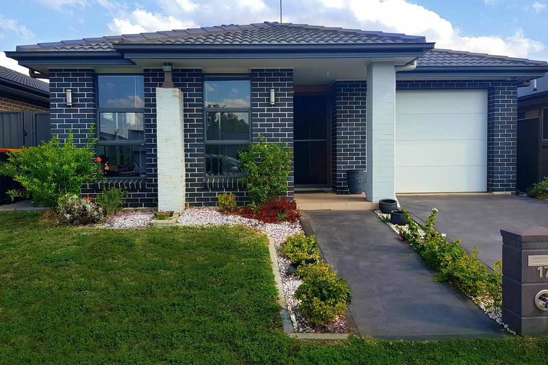 17 Daylesford Close, Ropes Crossing NSW 2760-1