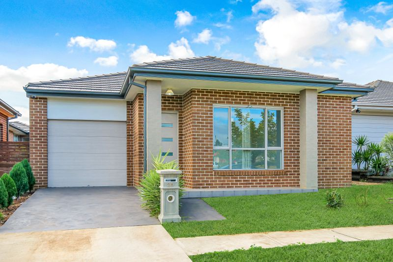 20 Rafter Parade, Ropes Crossing NSW 2760-1