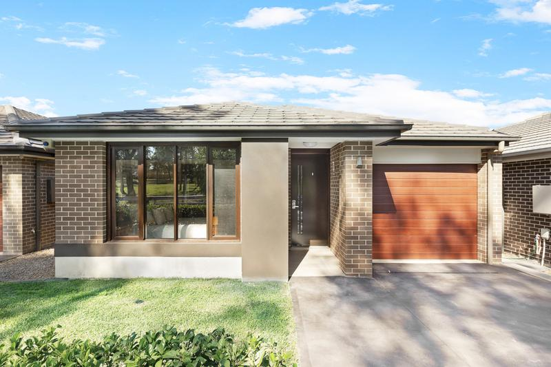 27 Portsmouth Circuit, Jordan Springs NSW 2747-1