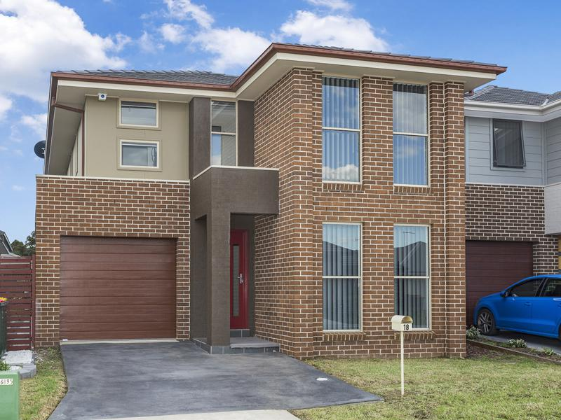 18 Blackburn Street, Ropes Crossing NSW 2760-1