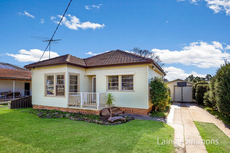 17 Brooker Street, Colyton NSW 2760-1