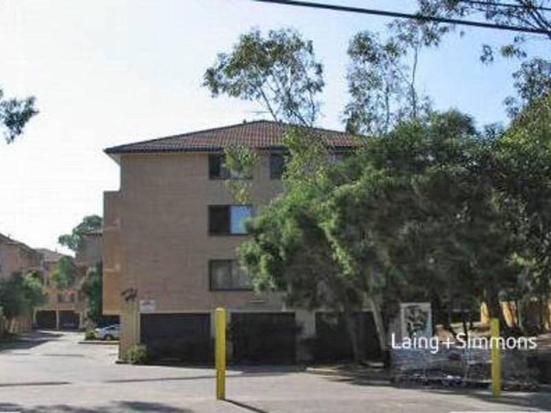 28 5 Griffiths St, Blacktown NSW 2148-1