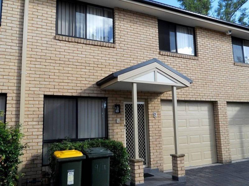 9/18 Cummings Crescent, Quakers Hill NSW 2763-1