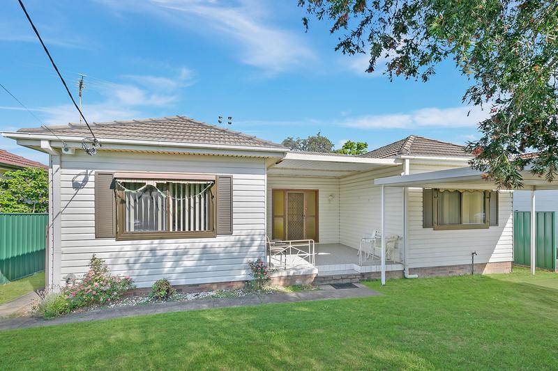 11 Dan Avenue, Blacktown NSW 2148-1