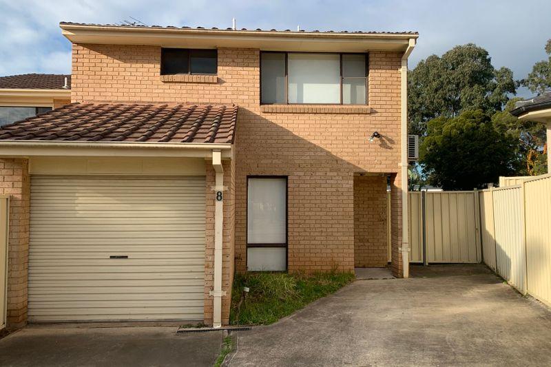 8 Sandell Place, Dean Park NSW 2761-1
