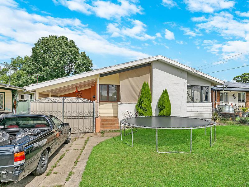 14 Magellan Avenue, Lethbridge Park NSW 2770-1