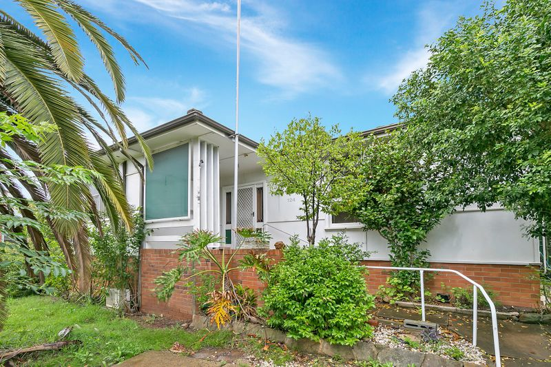 124 Kennedy Parade, Lalor Park NSW 2147-1