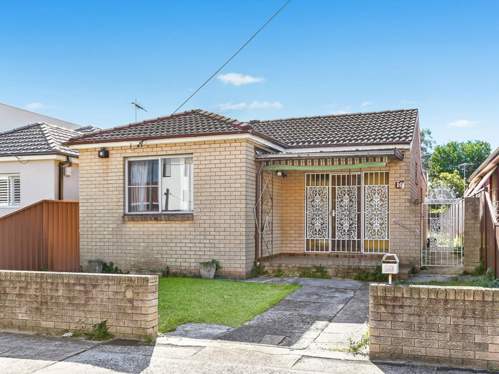 10 Garden Street, Eastlakes NSW 2018-1