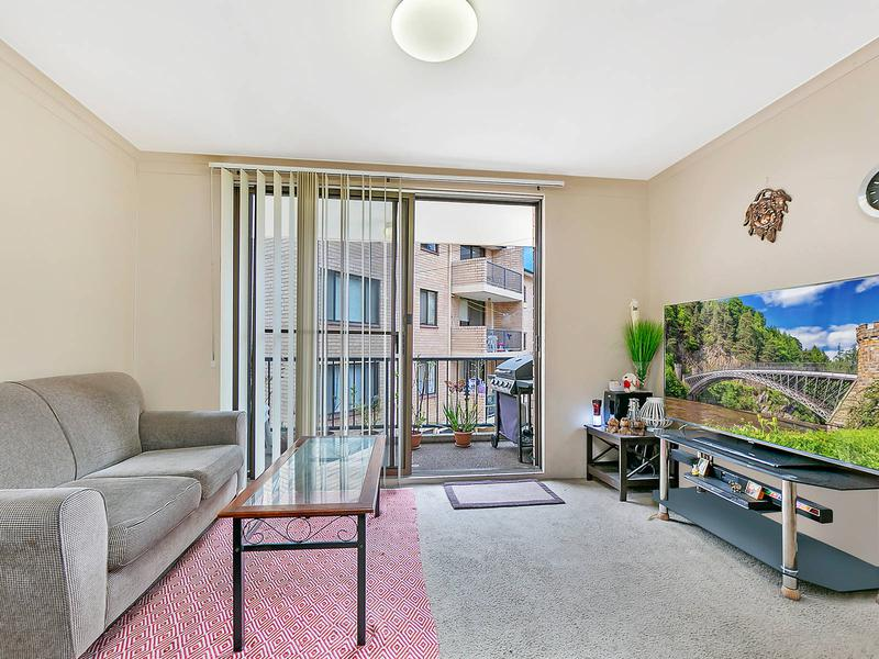 32/5 Griffiths Street, Blacktown NSW 2148-1