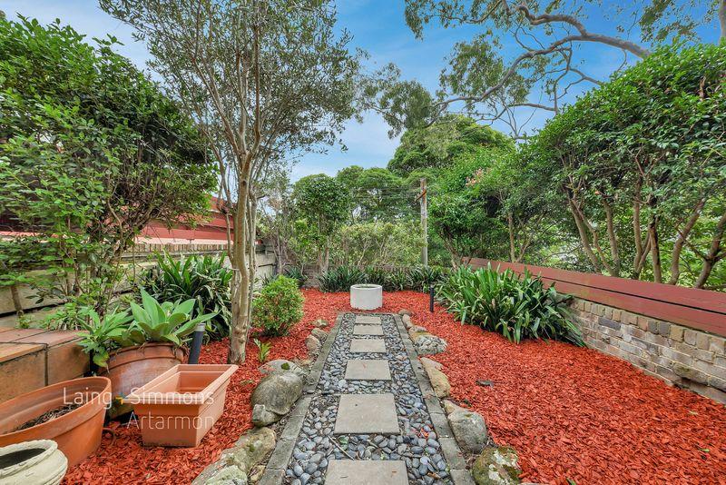 2/25 Goodchap Road, Chatswood NSW 2067-1