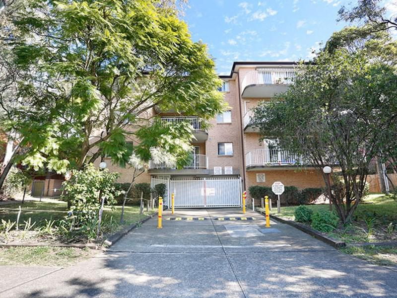 10 37-39 Memorial Avenue Merrylands NSW 2160-1