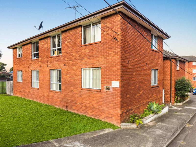 2/35 Garden Street, Belmore NSW 2192-1