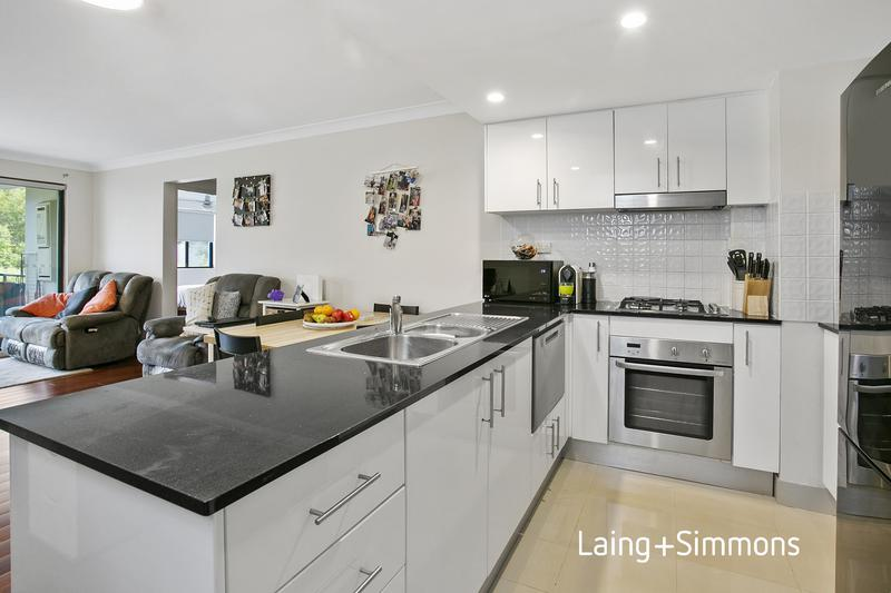 2/82a Old Pittwater Road, Brookvale NSW 2100-1