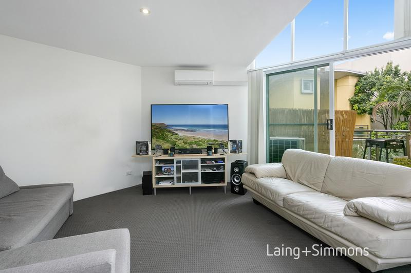 208/637 Pittwater Road, Dee Why NSW 2099-1