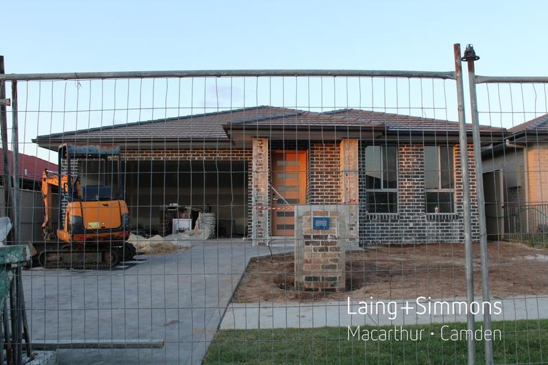 15 Derbyshire Road, Spring Farm NSW 2570-1
