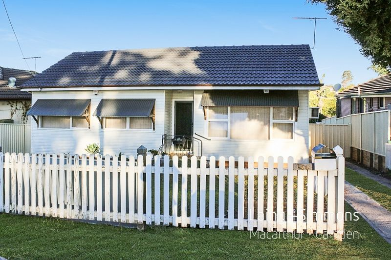 154 Macquarie Avenue, Campbelltown NSW 2560-1