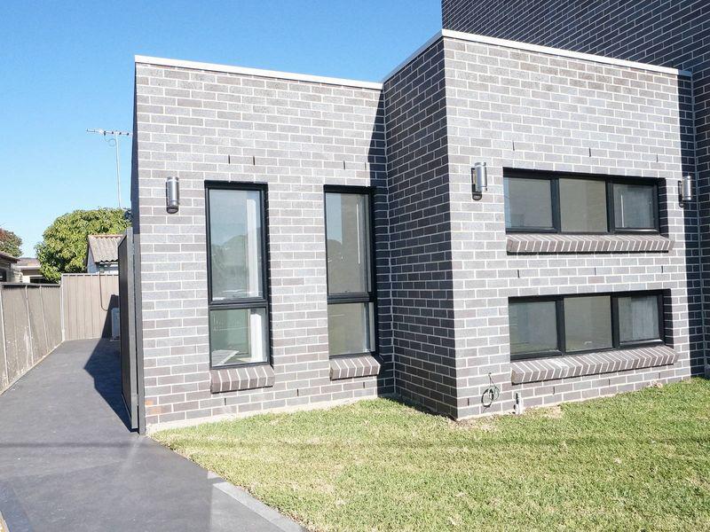 32A Cabramatta Road, CABRAMATTA NSW 2166-1