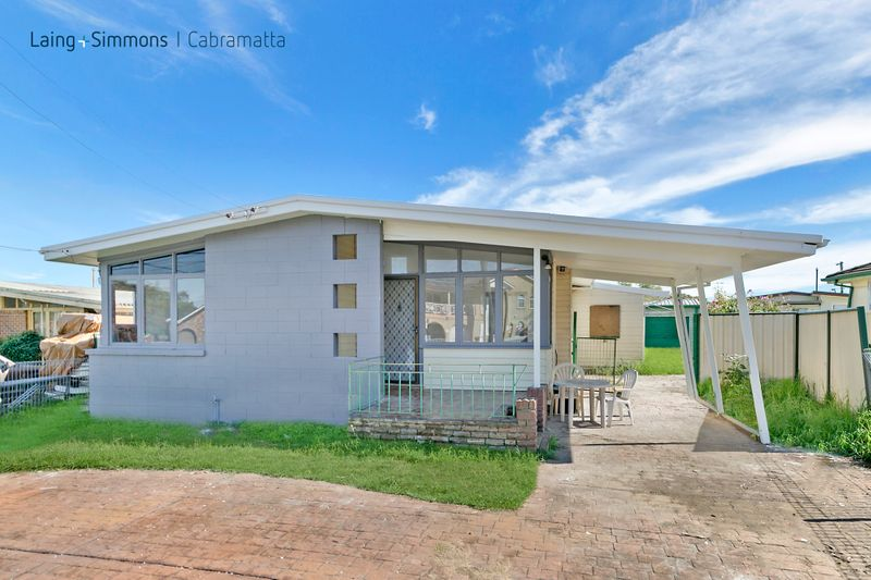 5 Matthew Avenue, HECKENBERG NSW 2168-1