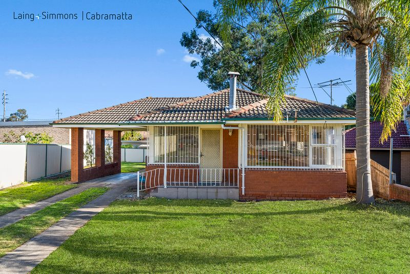 1 Howe Place, CANLEY HEIGHTS NSW 2166-1