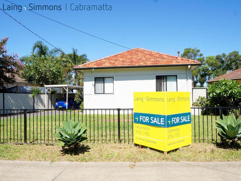 1 Freeman Avenue, CANLEY VALE NSW 2166-1