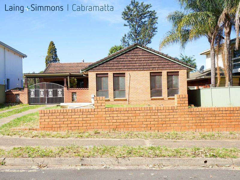 32 Monteclair Avenue, LIVERPOOL NSW 2170-1