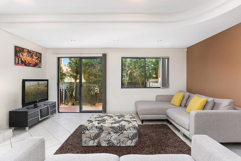 3/12 Kings Road, Brighton-Le-Sands NSW 2216-1