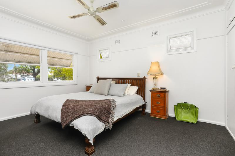 214 Chuter Avenue, Sans Souci NSW 2219-1