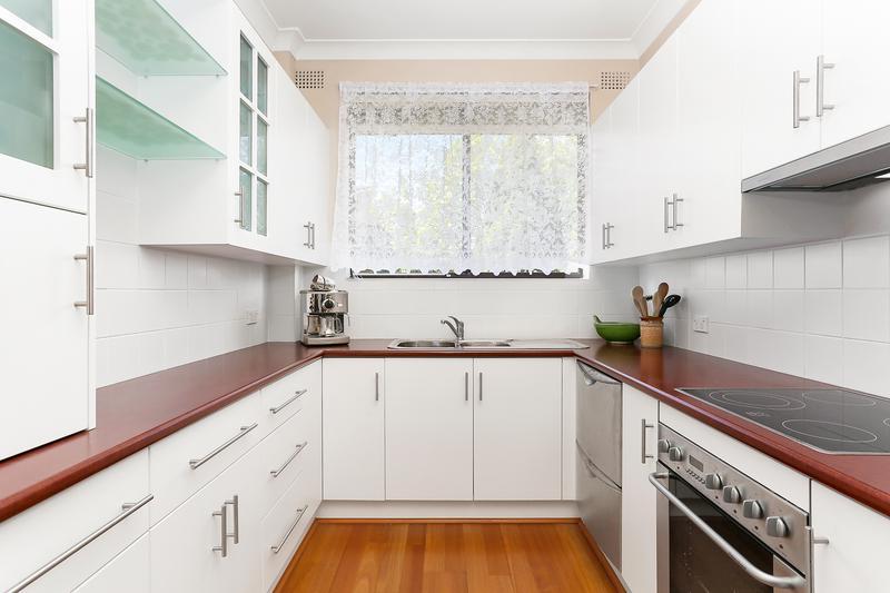 6/2 Carnarvon Street, Carlton NSW 2218-1