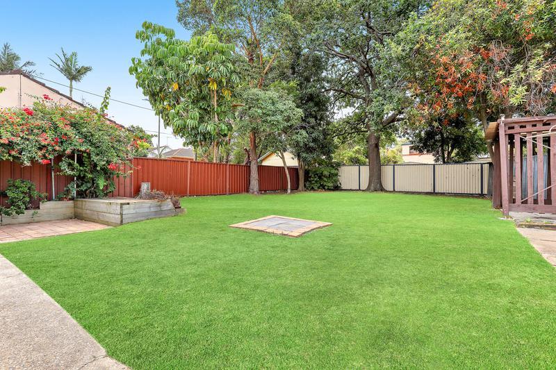 7 Cooleen Street, Blakehurst NSW 2221-1
