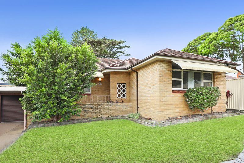 1 Carinya Place, Carss Park NSW 2221-1