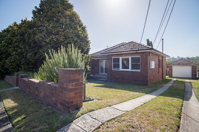 14 Woodbine Crescent, Ryde NSW 2112-1