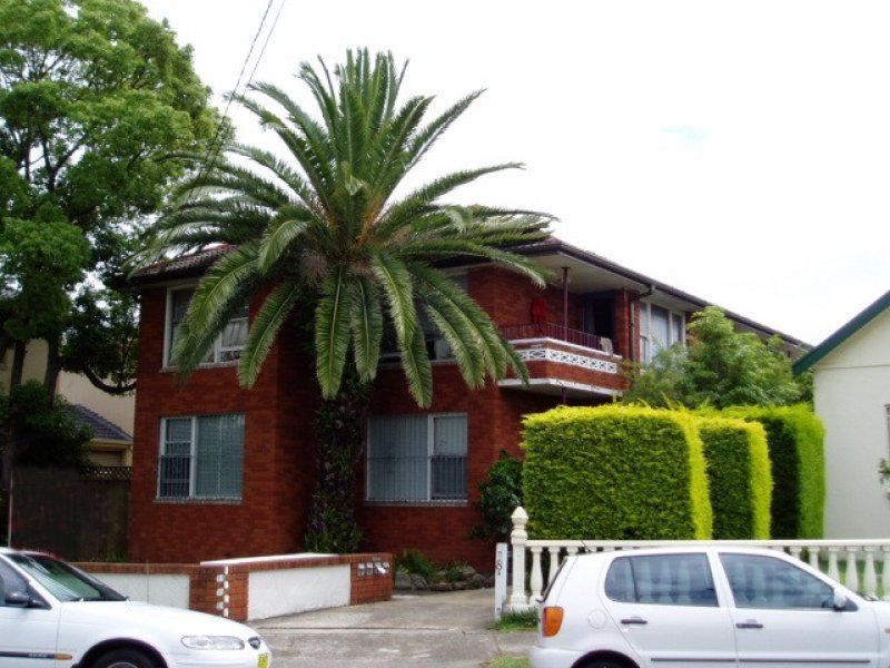 1/8A Wairoa Street, Campsie NSW 2194-1