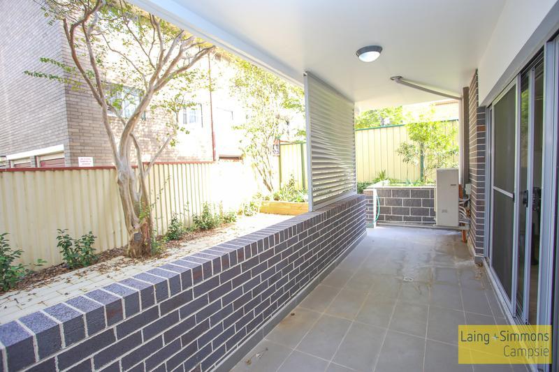 1/4 Exeter Road, Homebush West NSW 2140-1
