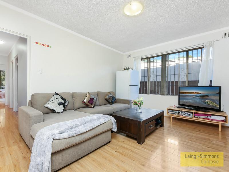 1/2 Third Ave, Campsie NSW 2194-1