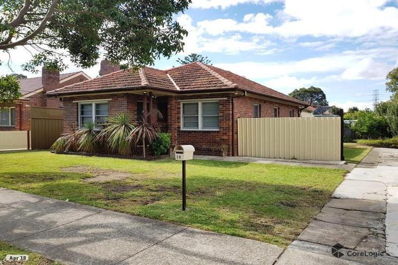 14 Elliott St, Belfield NSW 2191-1