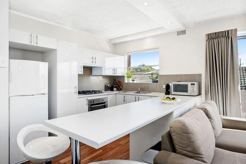 14/115 Oaks Avenue, Dee Why NSW 2099-1